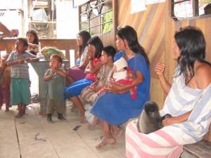 Madres con niños desnutridos